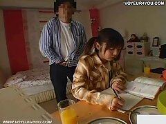 همسر قبل از سفر کاری ، یک دوربین کلیپ سکس هالیوود مخفی را در خانه نصب کرد