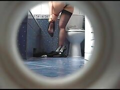 زیبایی رمی لاکروکس یک خروس را به سوراخ کلیپ سکس زن باحیوانات مقعد تنگ خود می کشد
