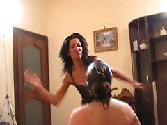 زرق و برق دار لاتین با خروس خود یک خروس بلند انجمن کیر در کس پیچید