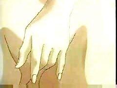 خدمتکار پاهای باریک خود را دانلود کلیپ سکسیایرانی در مقابل صاحب خانه پهن کرده و با او رابطه جنسی پرشور برقرار کرده است.